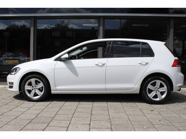 Volkswagen Golf 1.2 TSI 105pk Highline