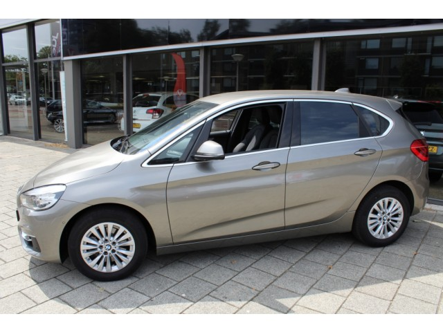 BMW 2 Serie 220I LUXURY