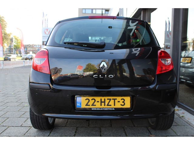 Renault Clio 1.2 TCE Collection / AIRCO / LMV