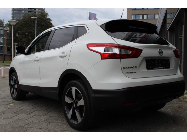Nissan Qashqai 1.2 Connect Edition // 360 CAMERA  // NAVI // CLIMATE