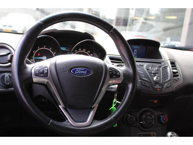 Ford Fiesta 1.0 Style Ultimate // PDC // NAVI // LMV