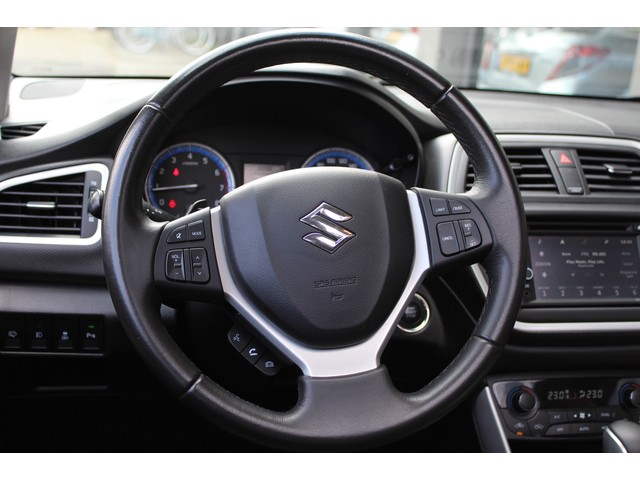 Suzuki S-Cross 1.6 High Executive // XENON // NAVI // CLIMATE // LEDER